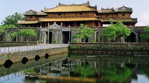 Từ vựng tiếng Anh về thắng cảnh, lịch sử - văn hóa, du lịch Việt Nam