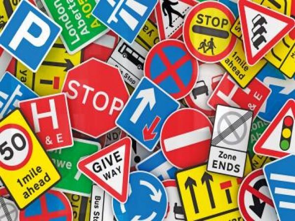 Các biển báo giao thông thông dụng nhất bằng tiếng Anh