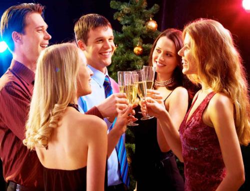 Mẫu câu tiếng Anh giao tiếp dự tiệc – chúc mừng nhau ở công sở