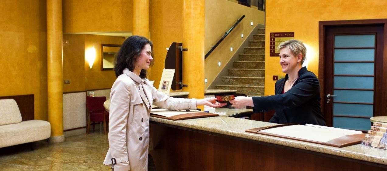 Tiếng Anh giao tiếp trong khách sạn