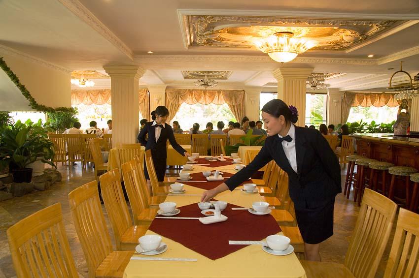 Những câu Tiếng Anh giao tiếp trong khách sạn,nhà hàng bắt buộc phải biết